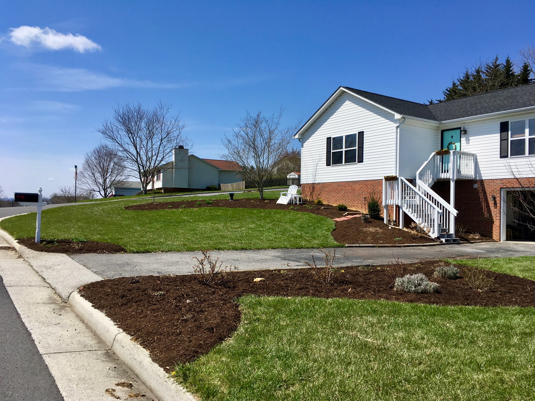 final day front beds mulched